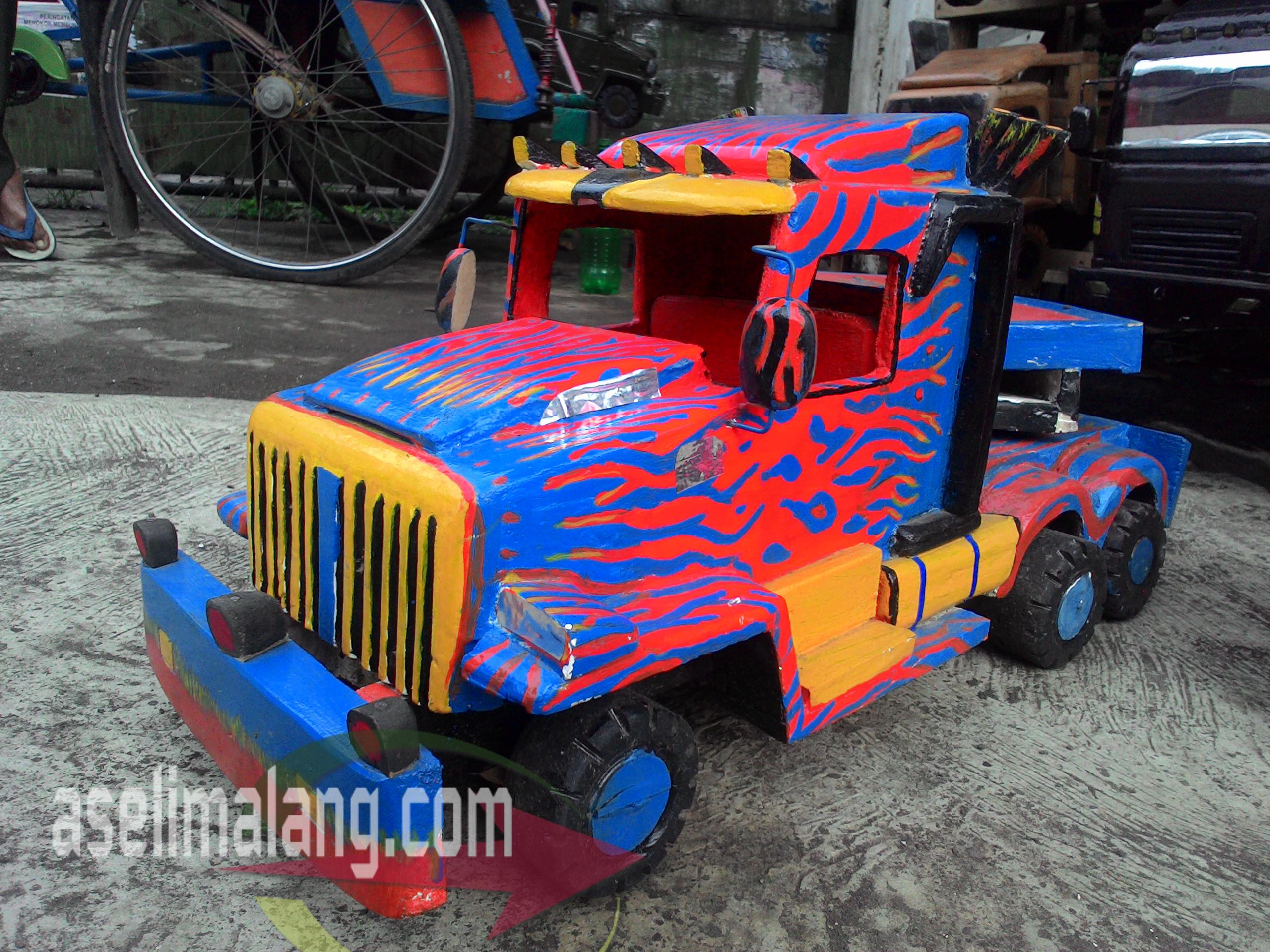 Mobil Mobilan Kayu Mainan Tempo Dulu Sekedar Coretan