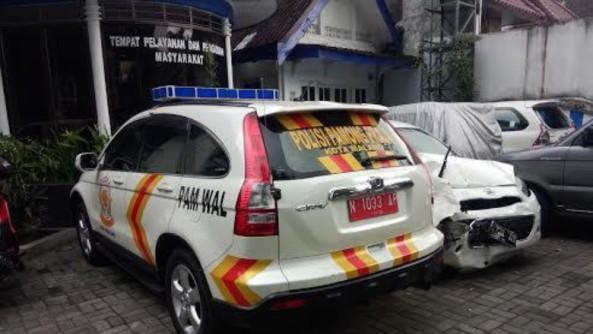 Mobil Pamwal Satpol PP ditilang Satlantas Polres Malang Kota, Ini Undang Undangnya