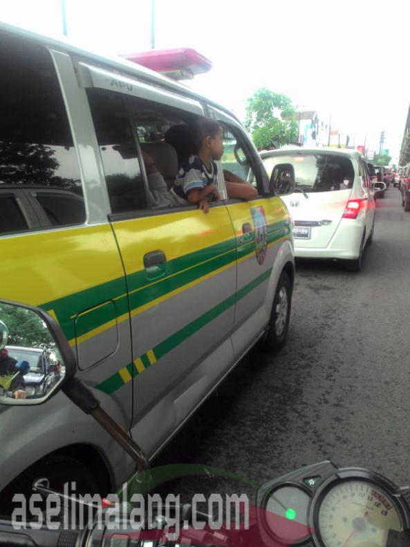 ambulan2
