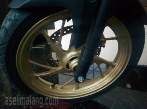 bleki roda depan