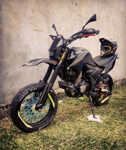 Modifikasi Honda Verza Gahar Dan Garang Ala Supermoto Sekedar