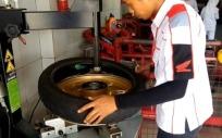 change tire2